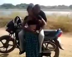 drindl desi bitch having quickie by the road while friend