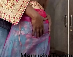 Toss my saree - Escort girl Manusha Tranny being undressed with the addition of exposing navel with the addition of belly